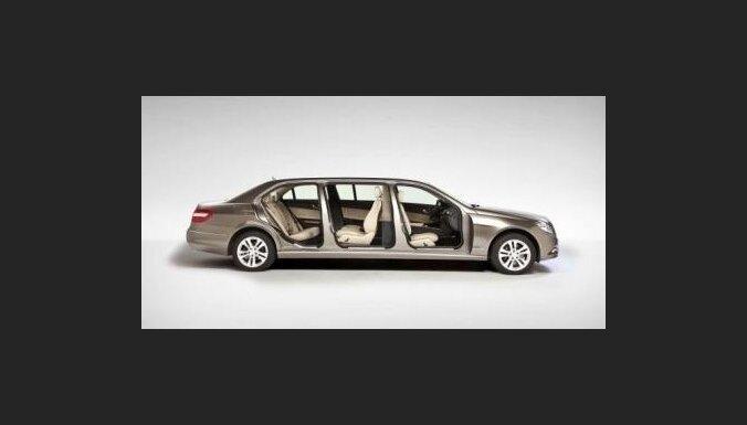 'Mercedes' E-klases sedans ar sešām durvīm