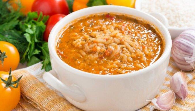 Tomātu un rīsu zupa