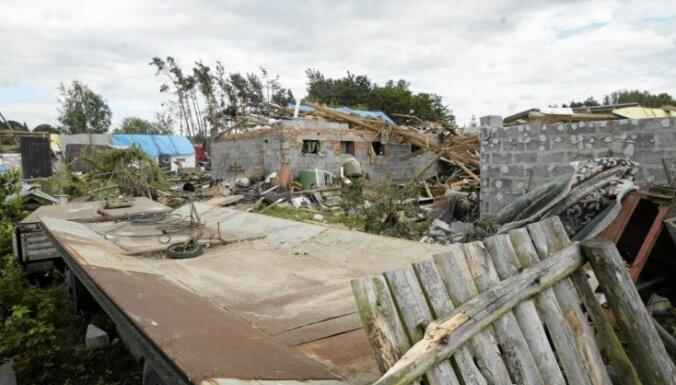 Fotoreportāža: Tornado plosās Polijā