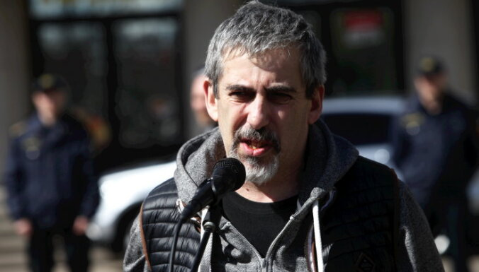 Lindermans aizturēts saistībā ar runu 'Vislatvijas vecāku sapulcē'