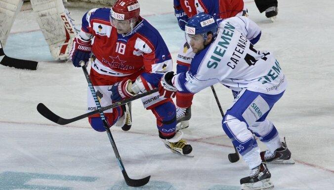 Легенда хоккея Федоров вернулся на лед спустя полтора года