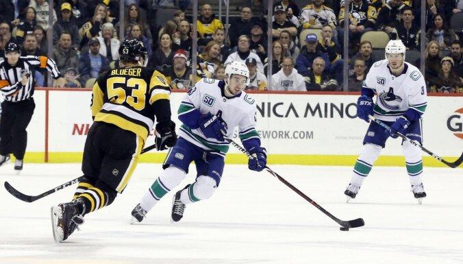 Latvijas hokejisti 'klusi' NHL spēlēs
