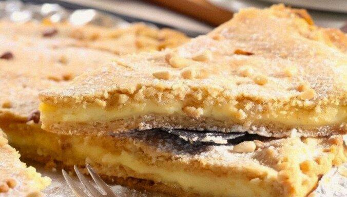 Foto recepte: Vārītā krēma un smilšu mīklas kūka