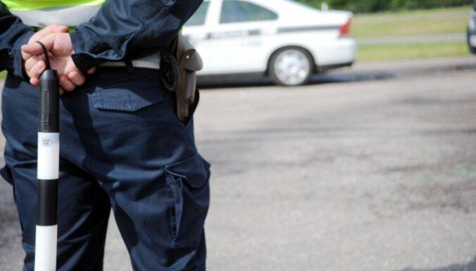 Водитель отказался пройти проверку на наркотики и предложил полицейским 120 евро