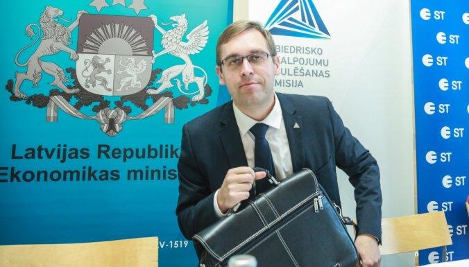 'Attīstībai/Par!' deputāti valsts kontroliera amatam virza Rolandu Irkli