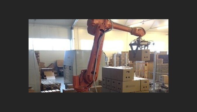 Почти половина крупных фирм в Латвии вместо набора новых работников вложится в автоматизацию