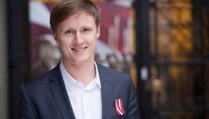 Rihards Kols: Latvijai nav jātirgojas ar uzturēšanās atļaujām