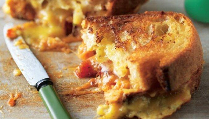 Pildītā karstmaize ar sieru