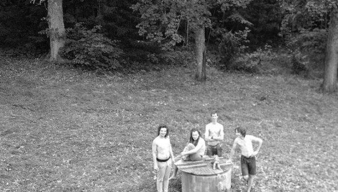 Noskaties grupas 'Manta' dziesmas 'Viva Voleros' video!
