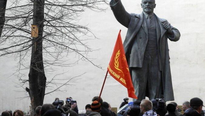 79% россиян высказались против сноса памятников Ленину