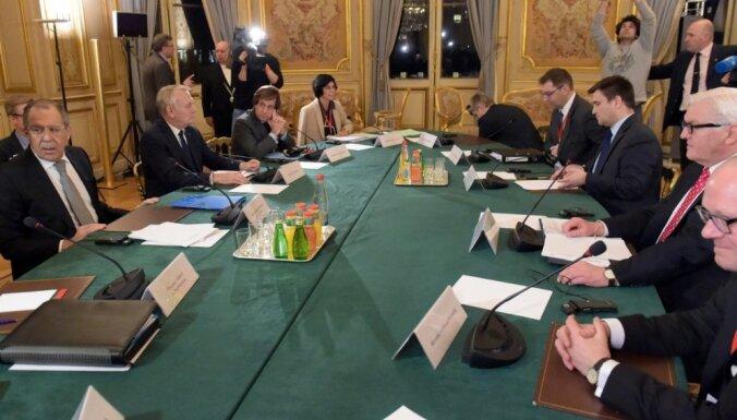 Ukrainas, Krievijas un rietumvalstu sarunas Parīzē beidzas bez vienošanās