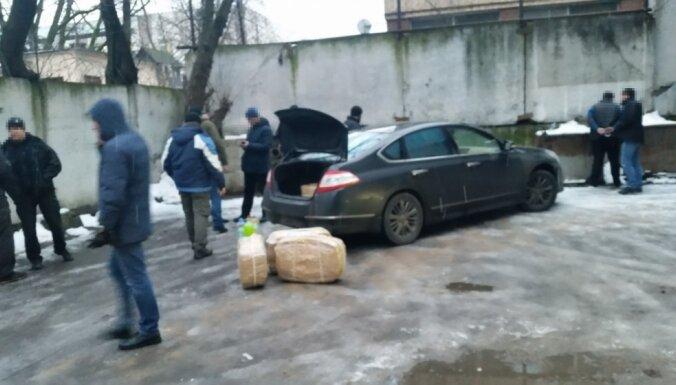 Diplomātiskā kontrabanda: kas zināms par Krievijas vēstniecības kokaīna skandālu