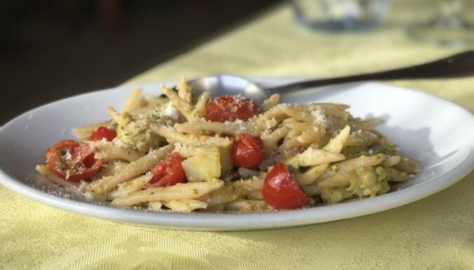Saulainās Sardīnijas garša: pieredzes stāsts par sardu virtuves īpatnībām un vēderprieku tradīcijām