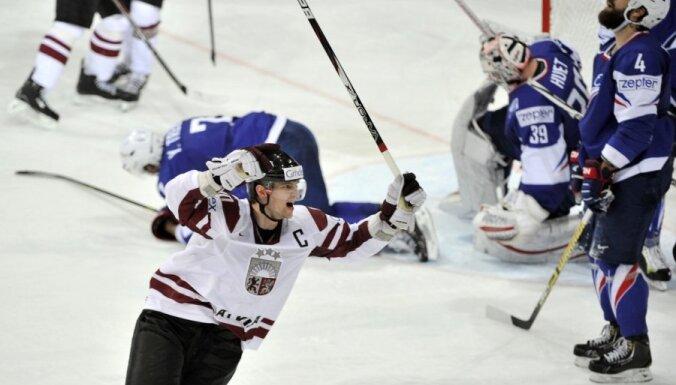 Хоккеисты Латвии разгромили Францию и заняли в Бледе третье место