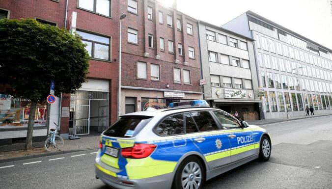 Немецкая полиция взяла под круглосуточную охрану госпиталь в Берлине, куда доставили Навального