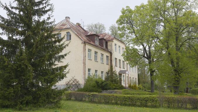 Центр житейской мудрости и место для посетителей Золотого днища: вторая жизнь опустевших школ