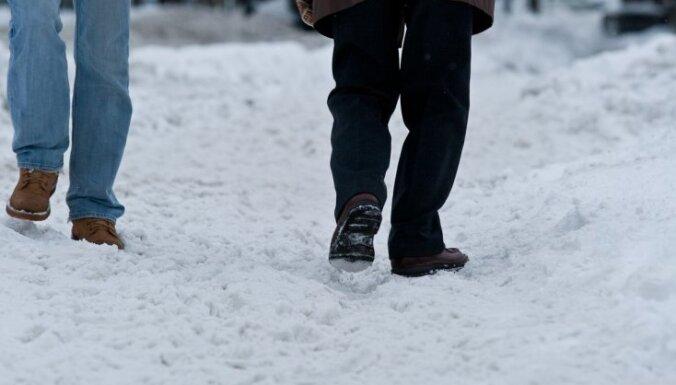 С переохлаждением и обморожениями в больницы попали 338 человек