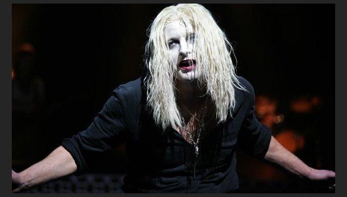 Drakula, Ģirts Ķesteris