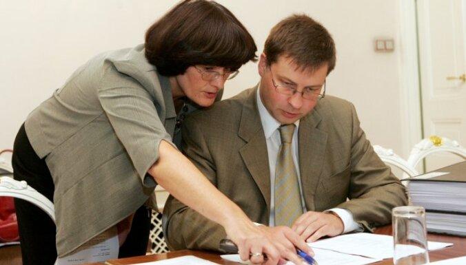Портал: в аэропорту создают новый пост для помощницы Домбровскиса