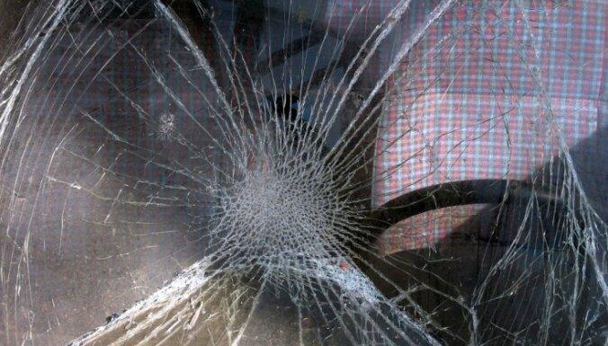 Avārijā Drabešu pagastā gājis bojā automašīnas vadītājs