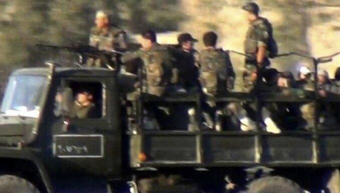 Irākas rietumos no slēpņa nogalināti vismaz 40 Sīrijas karavīri