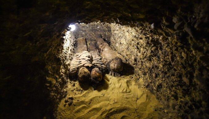 ФОТО: В Египте нашли древнюю гробницу с 50 мумиями
