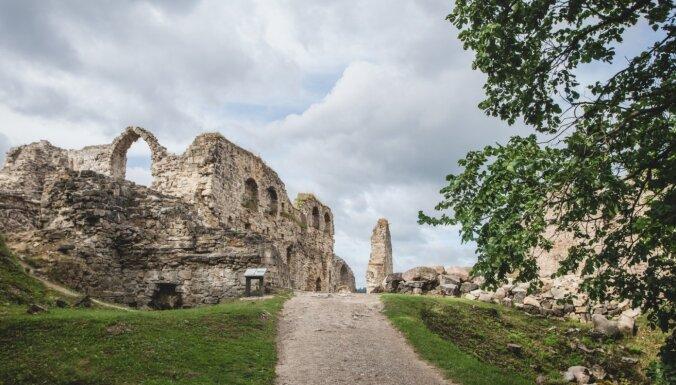 ФОТО. Руины Кокнесского замка, одного из самых крупных и важных средневековых замков Латвии