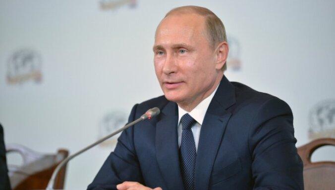 """Путин: """"внешние силы"""" угрожают Крыму дестабилизацией"""