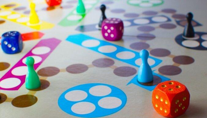 SOS Bērnu ciemata bērniem saziedotas vairāk nekā 700 galda spēles