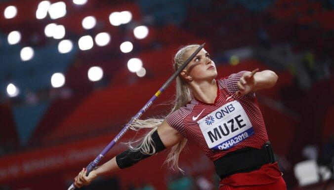 Par Latvijas čempioniem šķēpa mešanā kļūst Gatis Čakšs un Līna Mūze