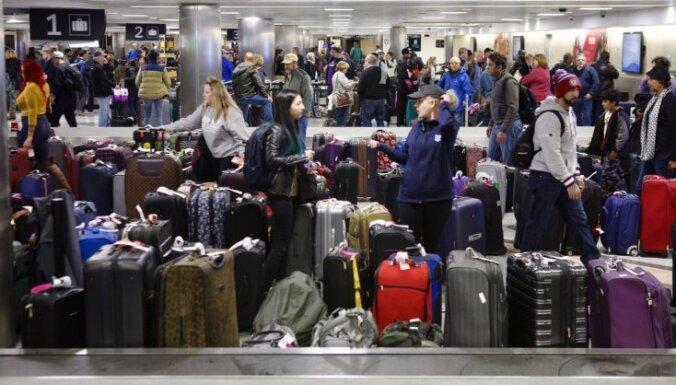 ASV atceļ aizliegumu iebraukt bēgļiem no 11 augsta riska valstīm