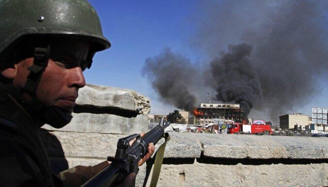 Десятки людей погибли в Афганистане в результате теракта со смертником