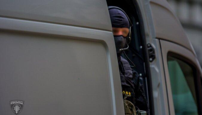 Purvciemā pretterorisma vienība pārbaudījusi kādu automašīnu