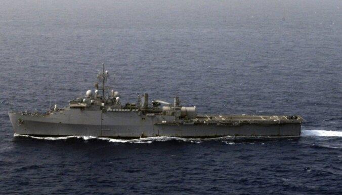 Ar lāzera lielgabalu bruņots ASV kuģis devies pirmajā kaujas misijā pie Irānas krastiem