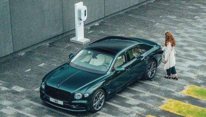 'Bentley Flying Spur' tagad arī hibrīda versijā ar 536 ZS