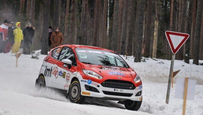 Neveiksme ātrumposmā liek Seskam pēc pirmās dienas ieņemt tikai 11. vietu WRC posma junioru klasē