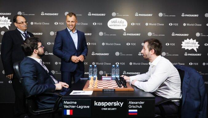 ФОТО: Пабрикс, Бриедис и Верпаковскис приняли участие в шахматном турнире в Риге