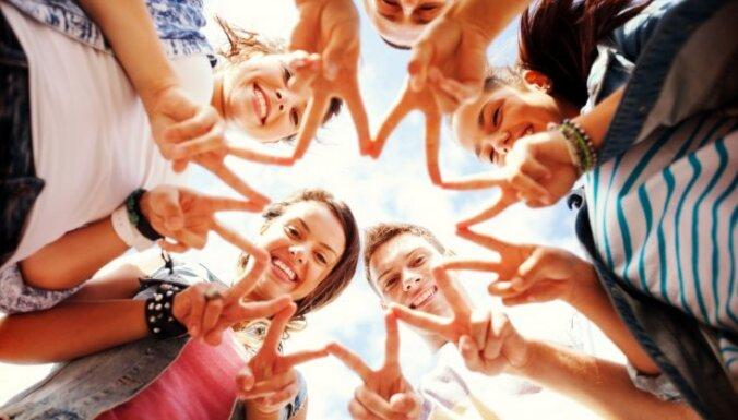 Aicina pieteikties 18 gadus vecus jauniešus ES iniciatīvai – ceļot bez maksas