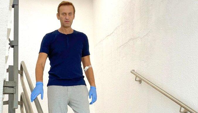 """Навальный ответил на публикации о """"версии Путина"""" об отравлении"""