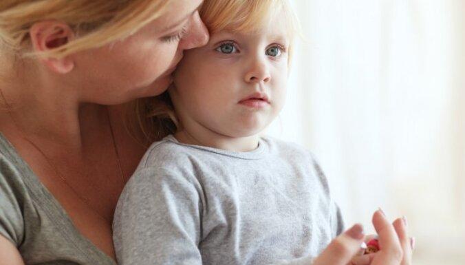 No zīdaiņu gultiņas uz lielo bērnu guļvietu: ieteikumi vieglākam pārejas posmam