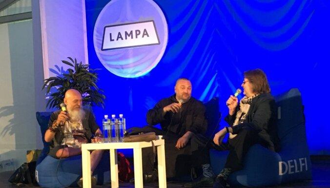 """""""Когда начинается доверие """"в десны"""", все заканчивается автоматом…"""" Беседа трех философов на фестивале Lampa"""