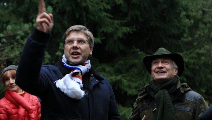 ФОТО: мэр Риги выбрал главные Рождественские елки