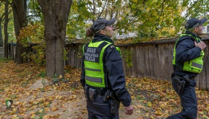 Рига: юная мать оставила детей родственнице и пропала на две недели
