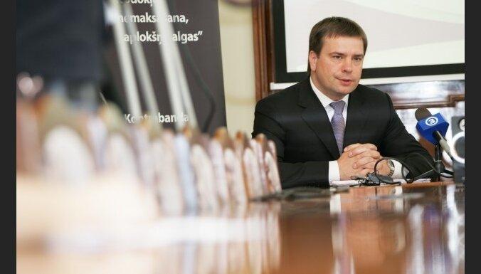 FM un Jakāns pretrunās par bijušā VID vadītāja atlaišanu