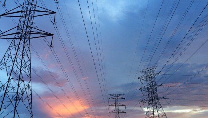 КРОУ: цена на электроэнергию в Латвии в июле уменьшилась на 17,7%