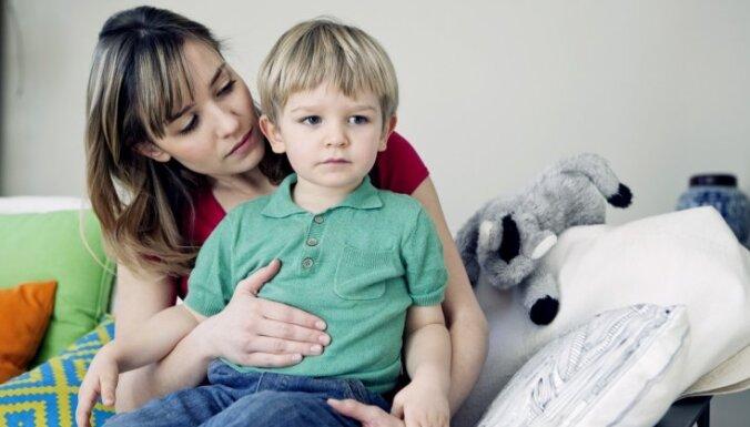 Rotavīruss rada būtisku satraukumu un nogurumu vecākiem, secina pašmāju pētnieki