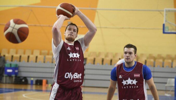 Degsme strādāt vasarā devusi rezultātu – basketbola izlasē atgriezies Čavars