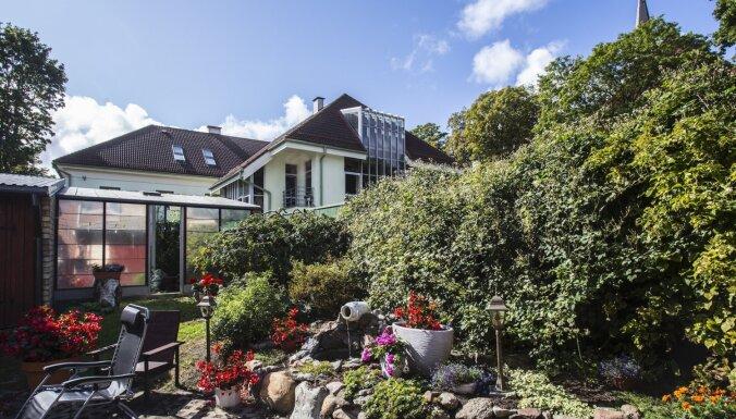 Foto: Liepājā noskaidroti sakoptākie īpašumi un krāšņākie dārzi