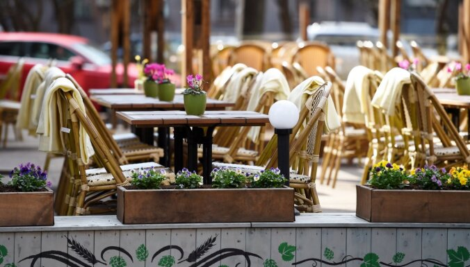 С субботы террасы кафе и ресторанов будут работать до полуночи