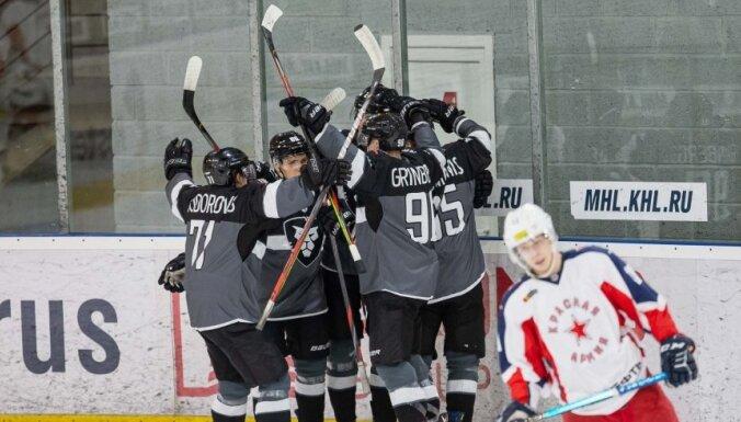 'Rīgas' hokejisti izbraukumā izcīnītā uzvarā gūst septiņus vārtus